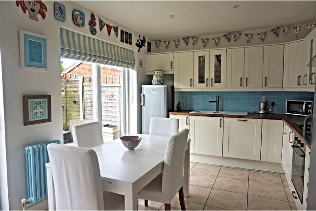 Thumbnail Semi-detached house for sale in Glenfield Drive, Kirkella