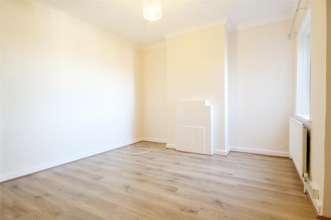 Thumbnail Flat to rent in Neasden Lane, Neasden, London