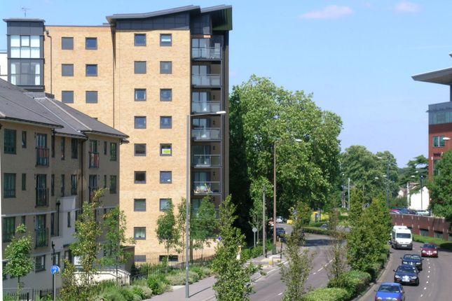 Thumbnail Flat to rent in Regents Court, Victoria Way, Woking