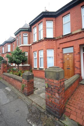 Thumbnail Shared accommodation to rent in Tarvin Road, Boughton, Chester