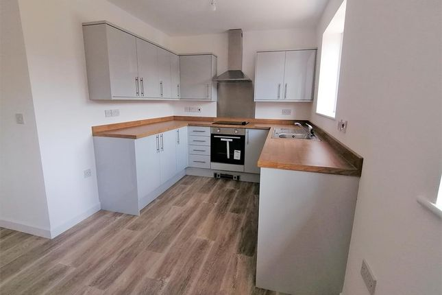 2 bed flat to rent in Fitzwilliam Close, Hoyland, Barnsley S74