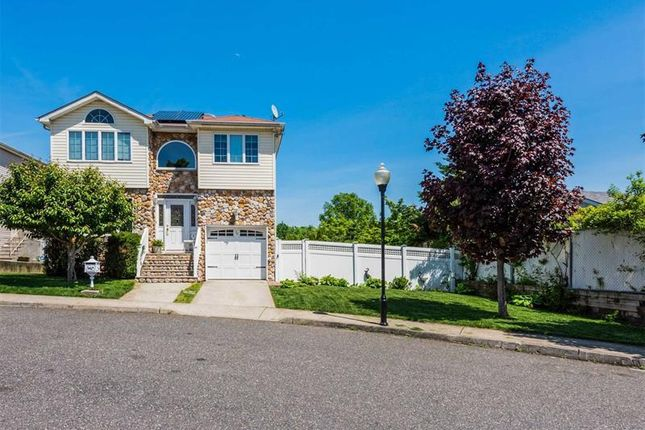 Thumbnail Property for sale in Out Of Area Town, Long Island, 10309, United States Of America