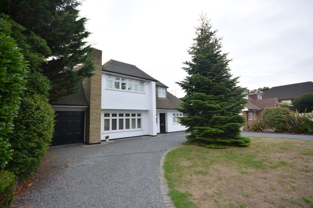 Thumbnail Detached house for sale in Gidea Avenue, Gidea Park