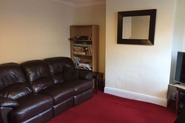 Thumbnail Terraced house to rent in Ashenhurst Close, Huddersfield