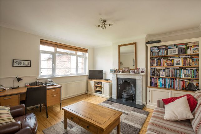 2 bed maisonette for sale in Eversleigh Road, Finchley, London