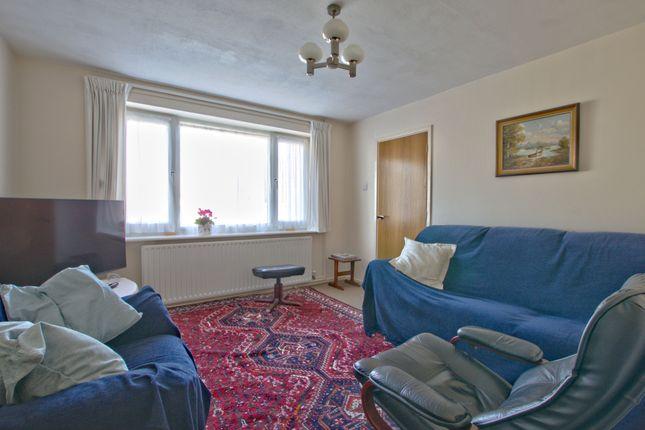 Living Room of Harbour Avenue, Comberton, Cambridge CB23