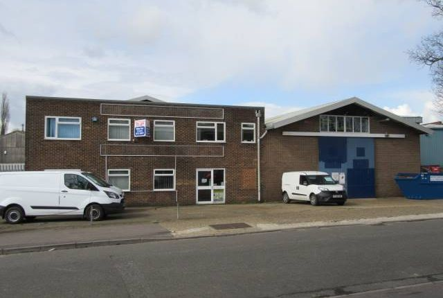 Thumbnail Retail premises to let in Blatchford Road, Horsham