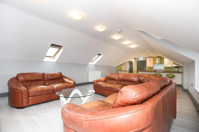 Thumbnail Flat to rent in Dinsdale Place, Sandyford, Newcastle Upon Tyne