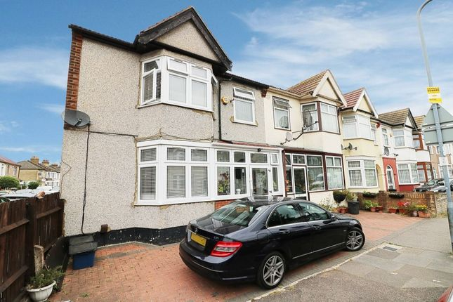 Thumbnail Property for sale in St. Lukes Avenue, Ilford