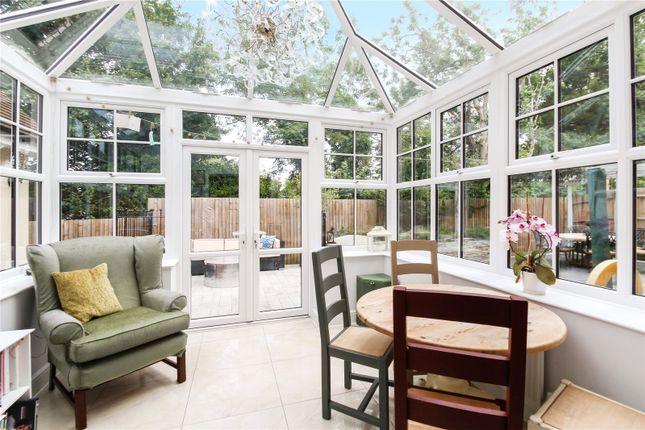 Thumbnail Detached house for sale in Fairfield Close, Edenbridge