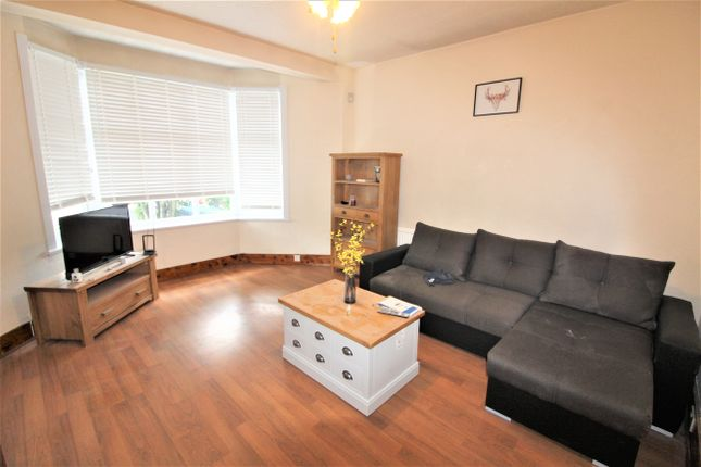 Thumbnail Terraced house to rent in Hawthorn Avenue, London