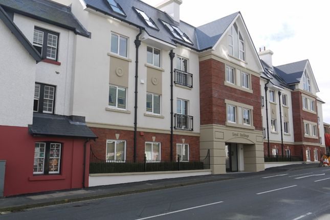 Thumbnail Flat to rent in Main Road, Onchan, Isle Of Man