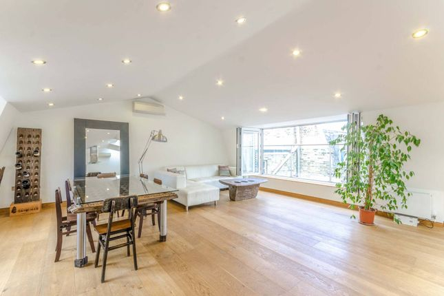 Thumbnail Flat to rent in Hatton Wall, Farringdon, London