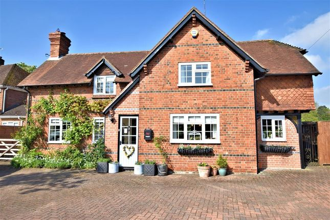 Thumbnail Detached house for sale in Basingstoke Road, Spencers Wood, Reading