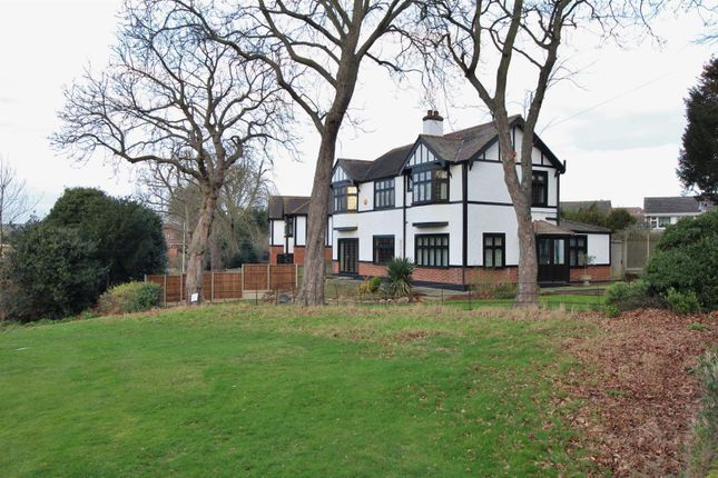Thumbnail Detached house for sale in Fairway, Bexleyheath