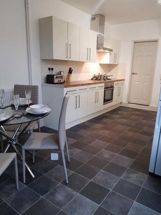 Thumbnail Shared accommodation to rent in Kings Bench Street, Hull