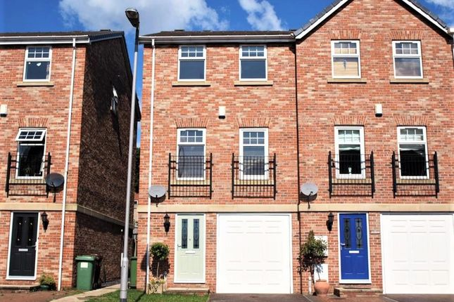 Thumbnail End terrace house to rent in The Courtyard, Wakefield