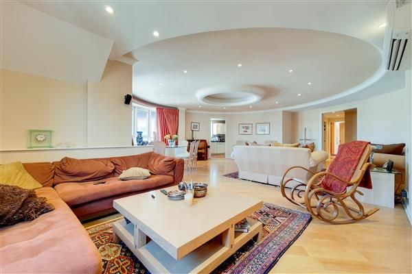 Thumbnail Flat for sale in Regents Plaza Apartments, Greville Road, London