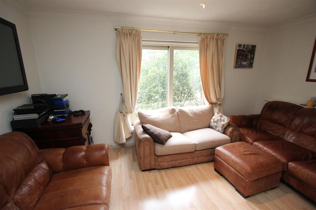 Thumbnail Town house to rent in Kennet Street, Wapping, London