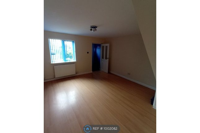 2 bed terraced house to rent in Queens Road, Gosport PO12