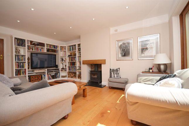 Living Room of Vale Road, Aylesbury HP20
