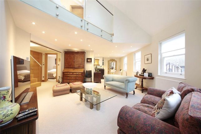 Thumbnail Flat to rent in St James Court, 14-20 Orville Road, Battersea, London