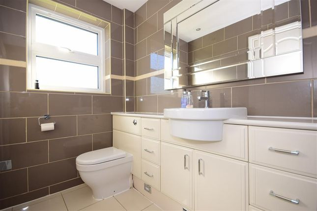 Cloakroom of Glendale Close, Shenfield, Brentwood, Essex CM15