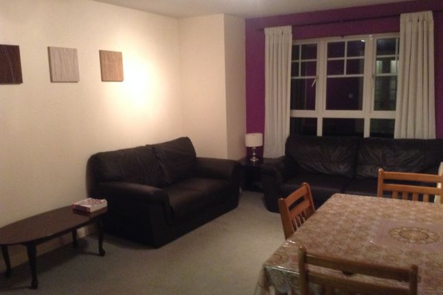Thumbnail Flat to rent in Newcombe Gardens, Hounslow