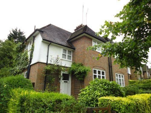 Thumbnail Semi-detached house to rent in Erskine Hill, Hampstead Garden Suburb