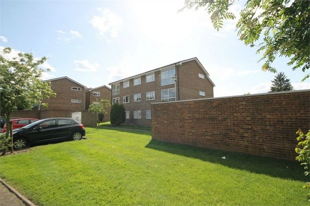 Thumbnail Flat for sale in Loxwood Court, 2 Mortlake Close, Croydon, Surrey