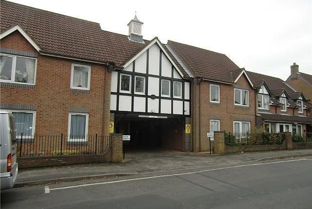 Thumbnail Flat to rent in Haldenby Court, West End, Swanland, North Ferriby