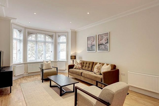Thumbnail Flat to rent in Hamlet Gardens, Ravenscourt Park, London