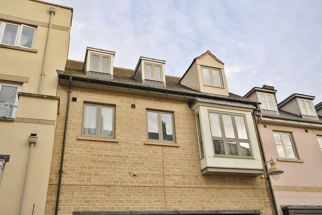 Thumbnail Flat for sale in Marriotts Walk, Witney