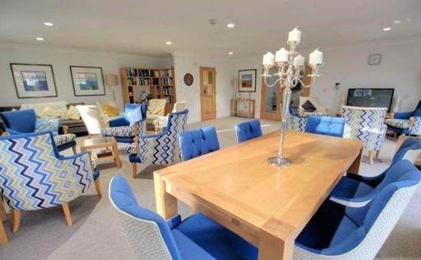 Communal Lounge of 220 Tuckton Road, Bournemouth, Dorset BH6