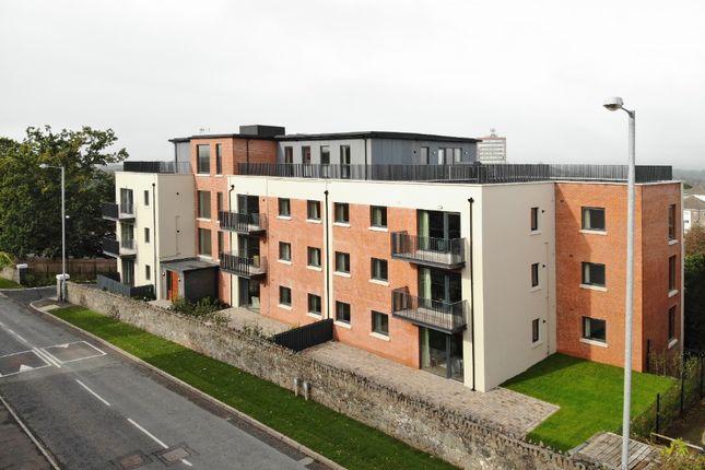 Thumbnail Flat to rent in Newtownbreda Road, Belfast