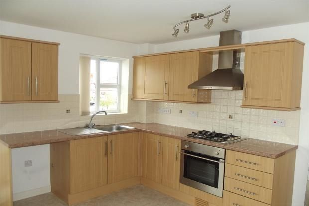 2 bed flat to rent in Chatteris Court, Thatto Heath, St Helens
