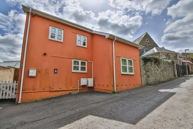 Thumbnail Cottage for sale in Back Road, Gilwern, Abergavenny