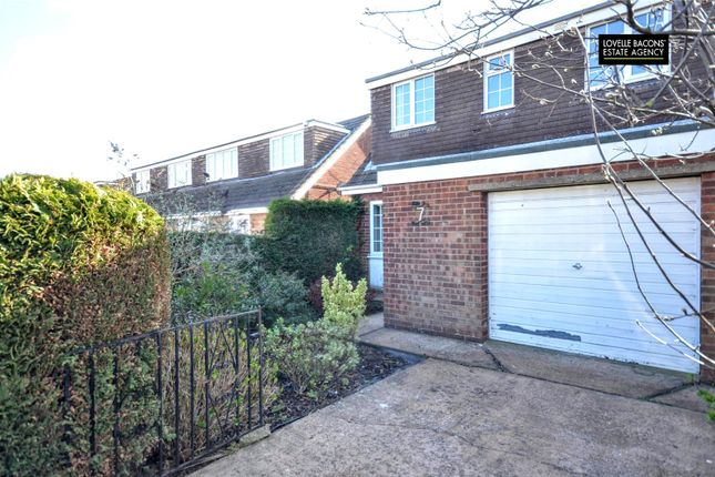 Picture No. 16 of Ashby Close, Grimsby DN37