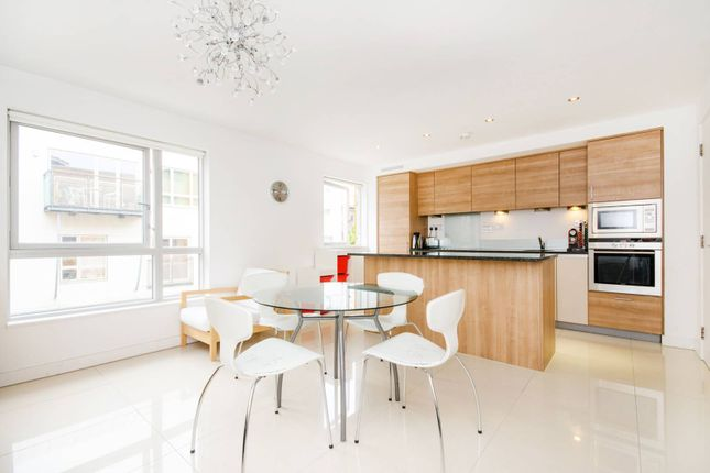 Thumbnail Flat for sale in Metcalfe Court, Greenwich
