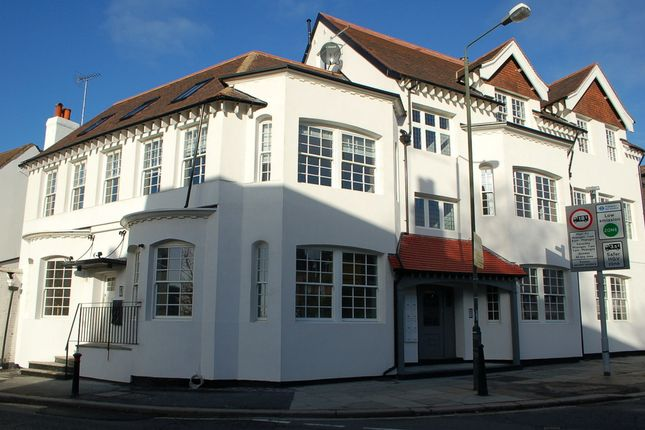 Thumbnail Property to rent in High Street, Hampton