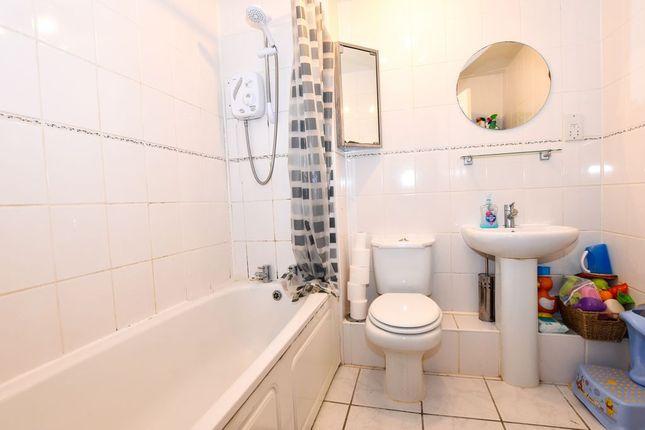 Bathroom 1 of Five Acres Close, Lindford, Bordon GU35