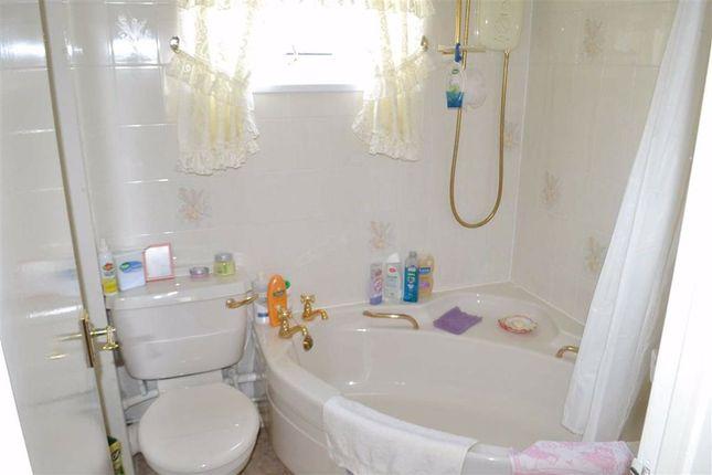 Bathroom of 106, Dolgwenith, Llanidloes, Powys SY18