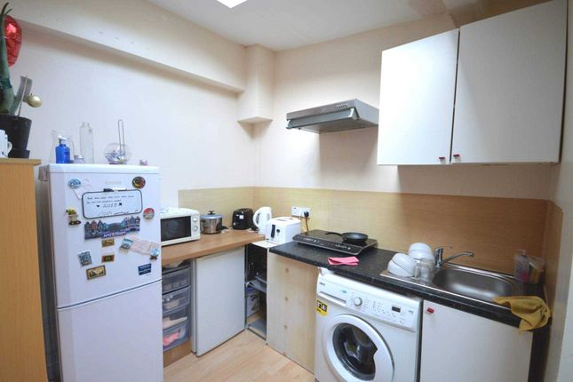 Studio to rent in Strattondale Street, London