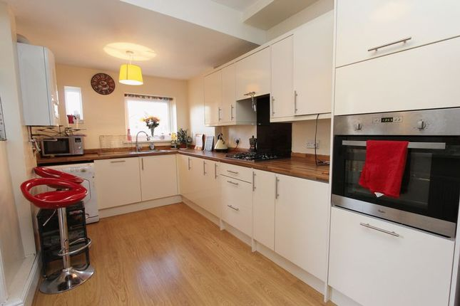 2 bed semi-detached house to rent in Newton Road, Southampton