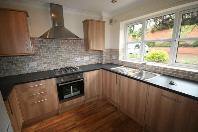 Thumbnail Town house to rent in Terry Avenue, Leamington Spa
