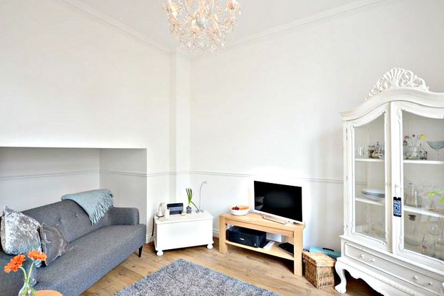 Thumbnail Flat to rent in Upton Park, Slough