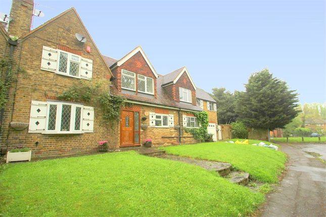 Thumbnail Cottage to rent in Richings Way, Richings Park, Buckinghamshire