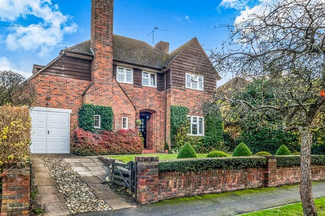 Thumbnail Detached house for sale in Manor Way, Chesham