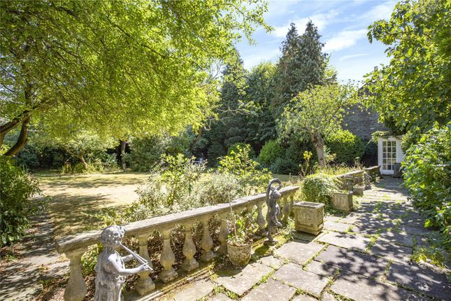 Garden of The Wardrobe, Old Palace Yard, Richmond, Surrey TW9