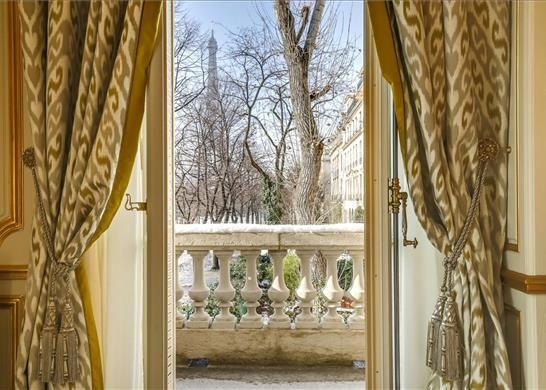 Thumbnail Apartment for sale in 126 Rue De L'université, 75007 Paris, France